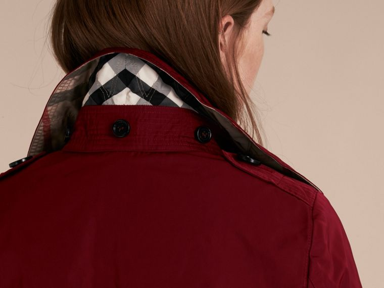 Garnet Fur-trimmed Hood Trench Coat with Detachable Gilet - cell image 4