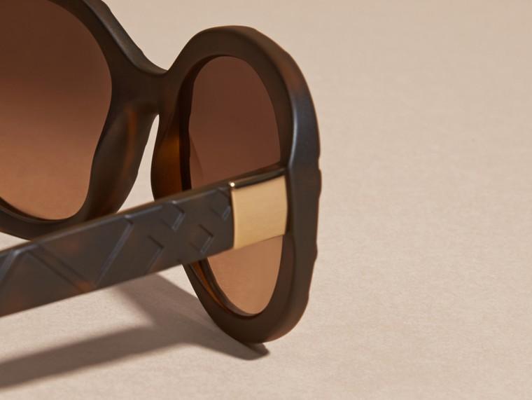 Tortoise shell 3D Check Round Frame Sunglasses Tortoise Shell - cell image 1