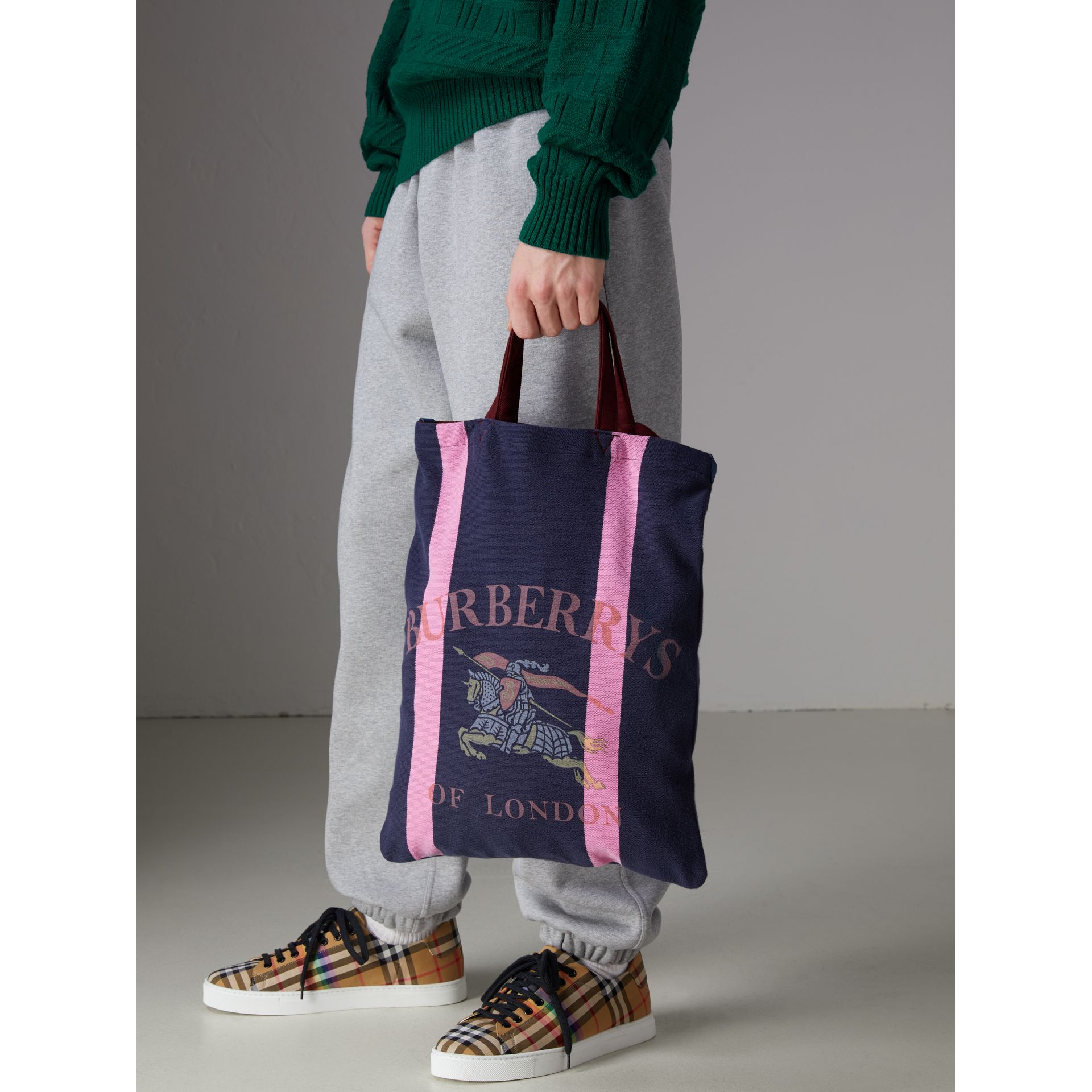 Medium Archive Logo Jersey Shopper in Navy/rose Pink | Burberry Australia - gallery image 4