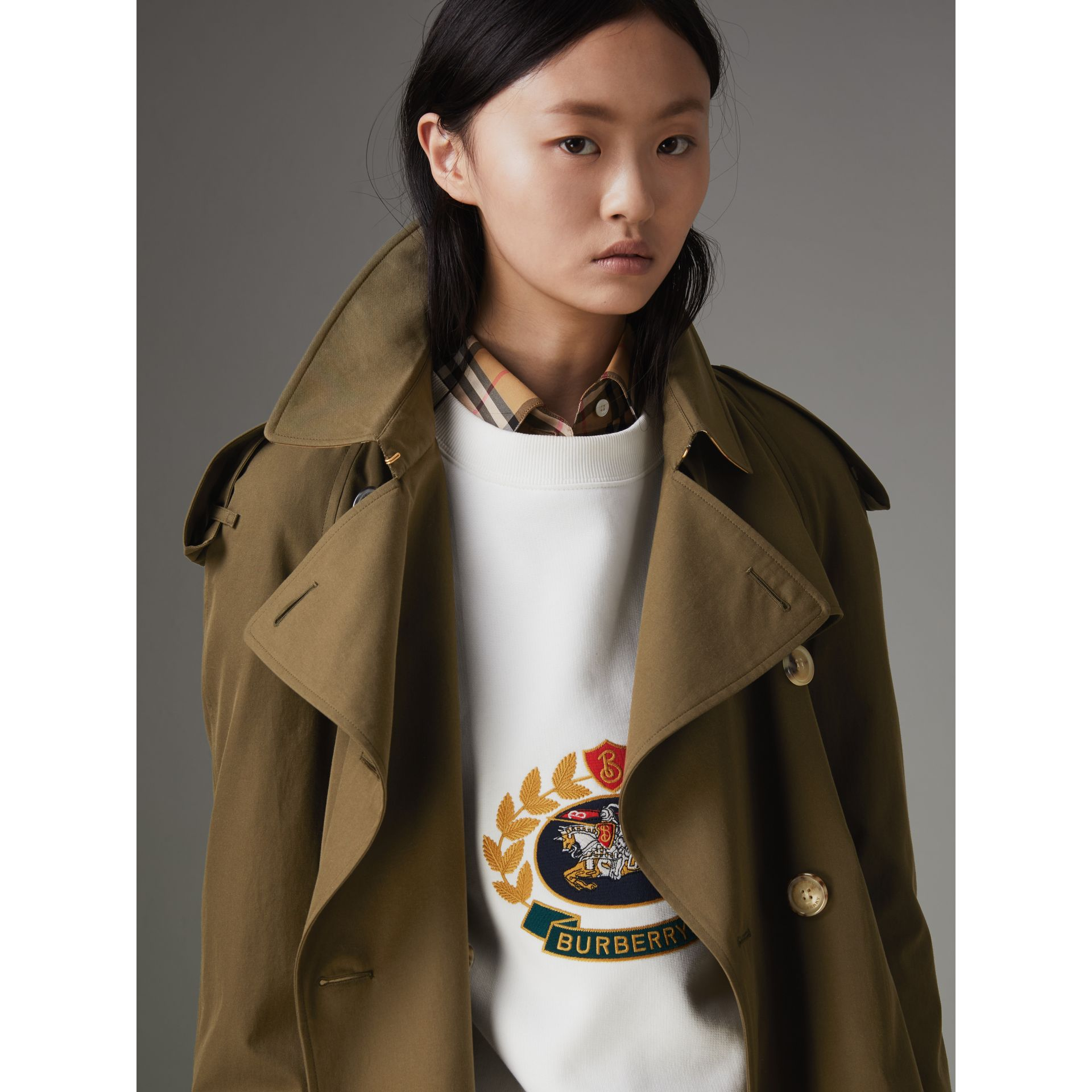 The Long Westminster Heritage Trench Coat in Dark Military Khaki - Women | Burberry Canada - gallery image 5