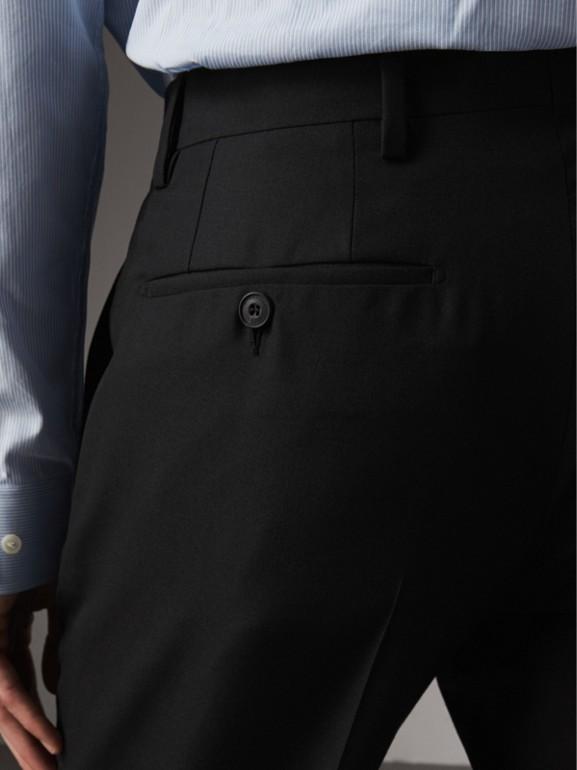 Pantalones de corte moderno en lana (Negro) - Hombre | Burberry - cell image 1