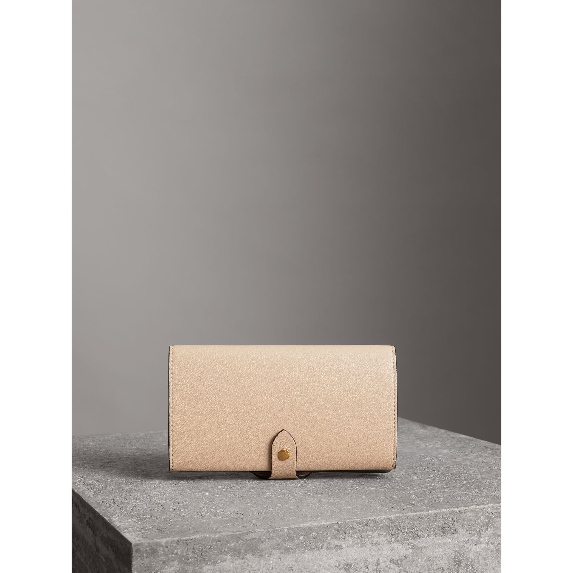 Equestrian Shield Two-tone Leather Continental Wallet in Stone - Women | Burberry Australia - gallery image 2