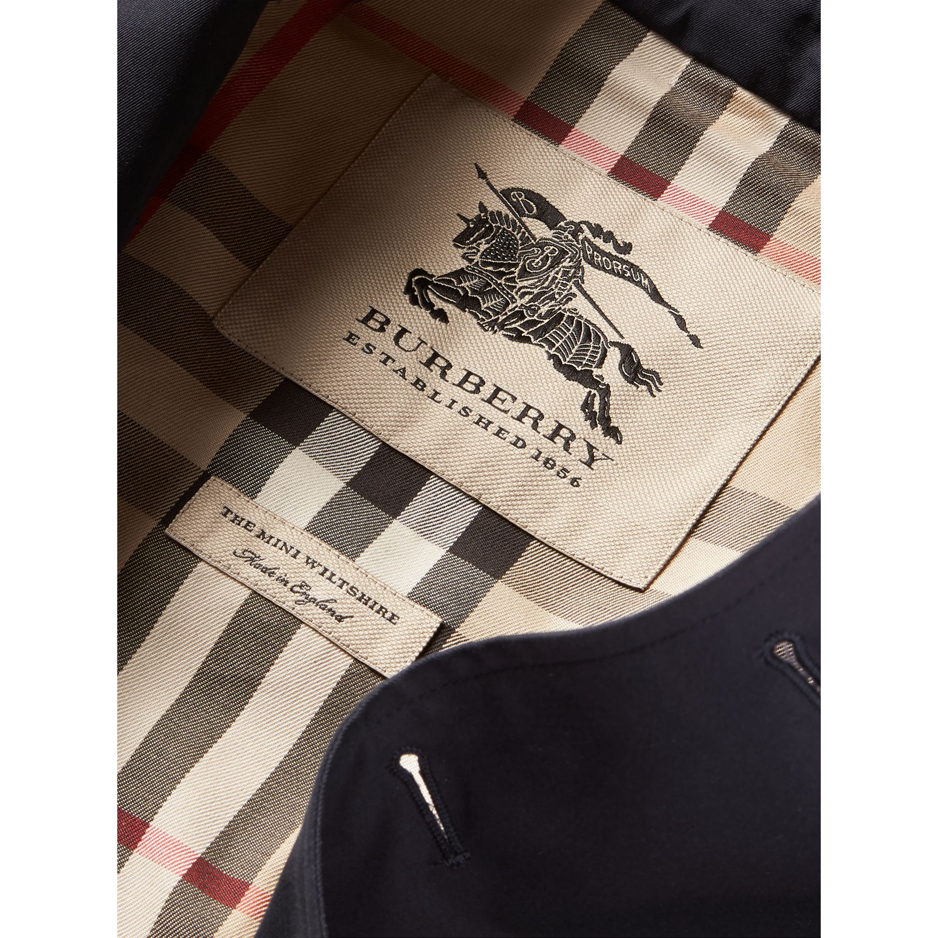 The Wiltshire – Heritage Trench Coat in Navy | Burberry Canada - gallery image 8