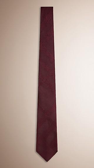 Gravata de seda em trama jacquard com estampa xadrez e corte moderno