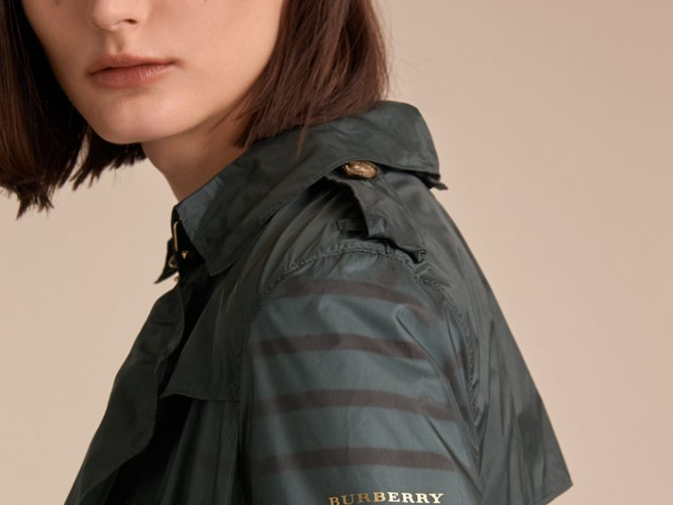 Super-lightweight Trench Coat in Vintage Green - Women | Burberry - cell image 4
