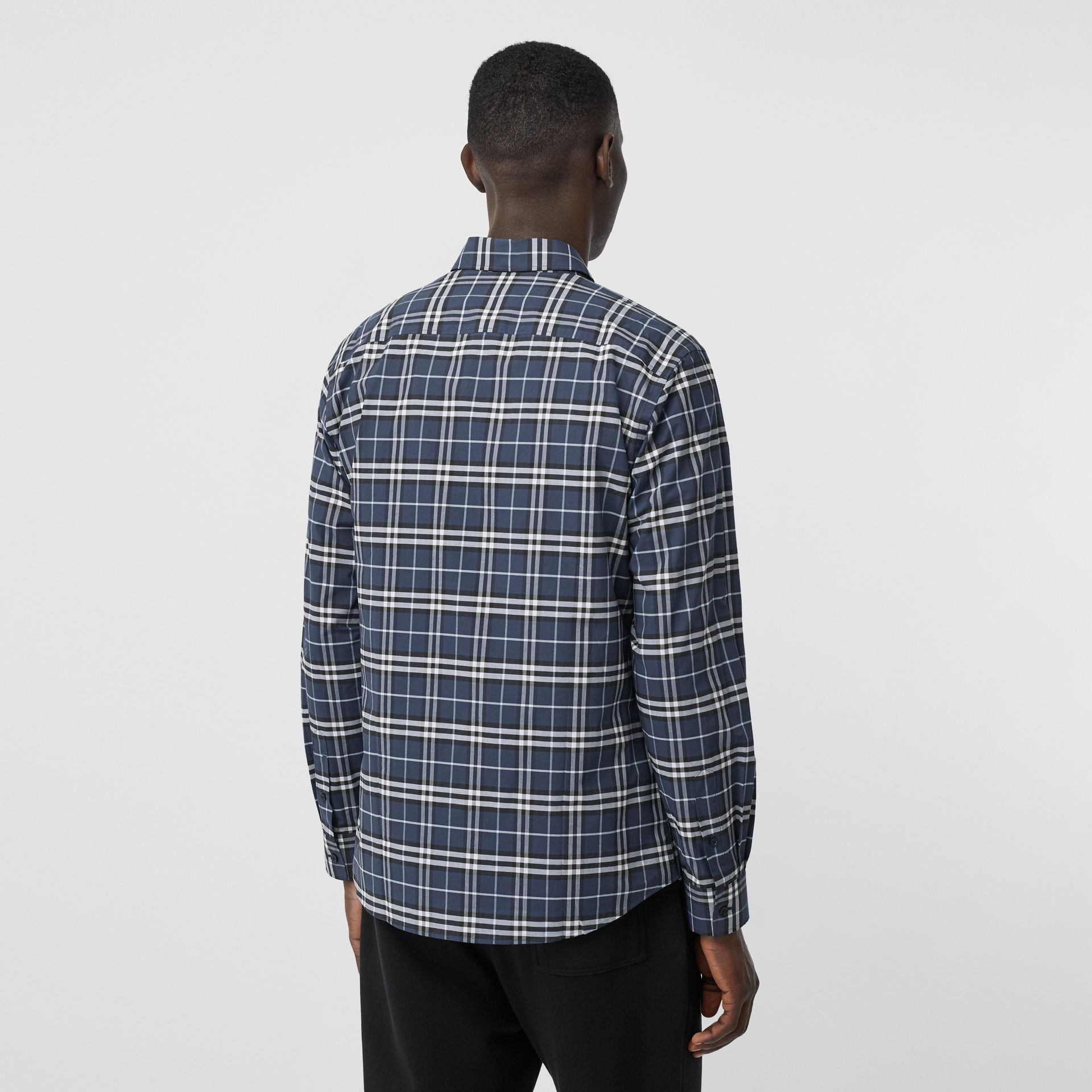 Small Scale Check Stretch Cotton Shirt in Dark Navy - Men | Burberry Hong Kong S.A.R - gallery image 2