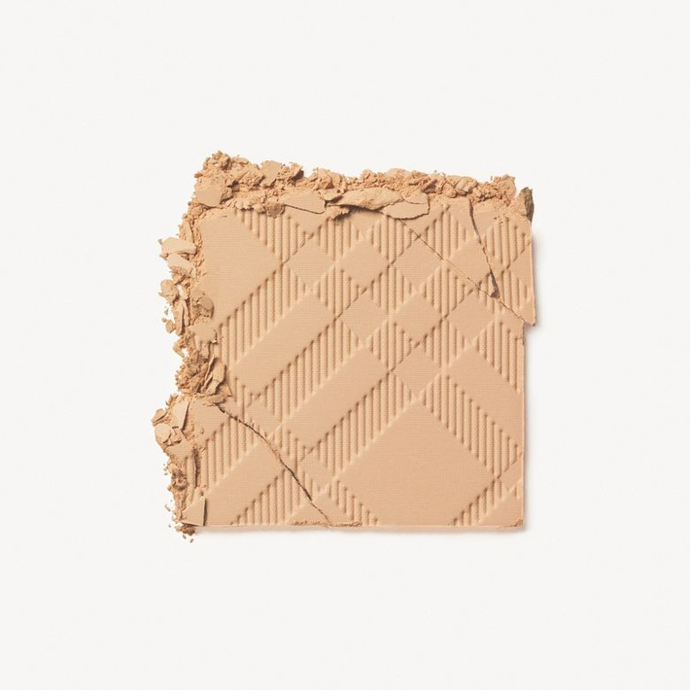 Burberry - Fresh Glow Compact Foundation - 2