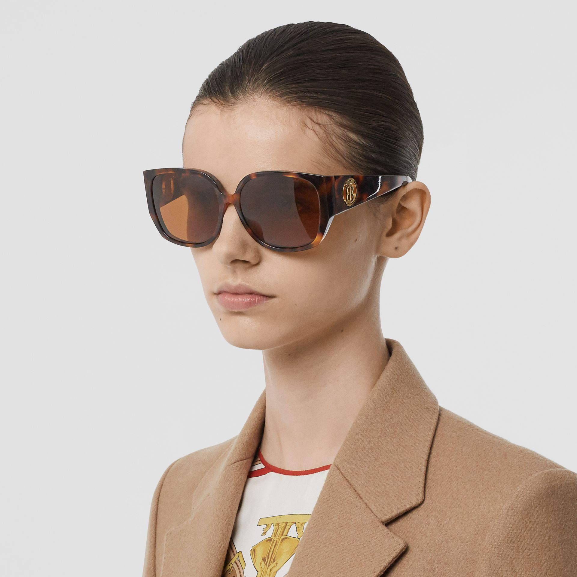 Oversized Butterfly Frame Sunglasses in Tortoiseshell - Women | Burberry - gallery image 2