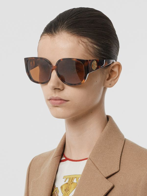 Oversized Butterfly Frame Sunglasses in Tortoiseshell - Women | Burberry - cell image 2