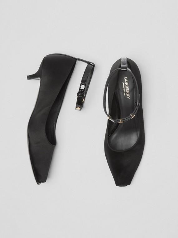 Escarpins à bout ouvert et talon kitten-heel en satin (Noir)