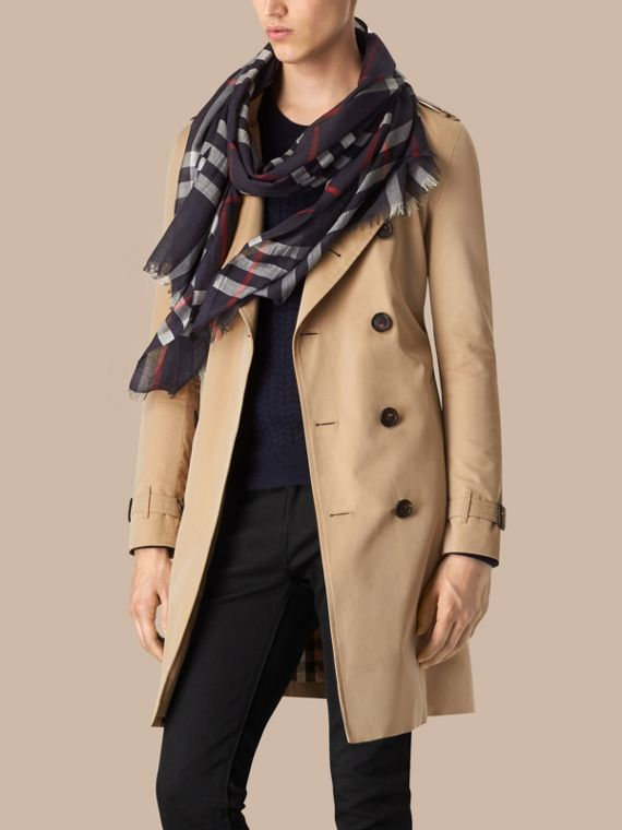 Lightweight Check Wool and Silk Scarf in Navy | Burberry - cell image 3