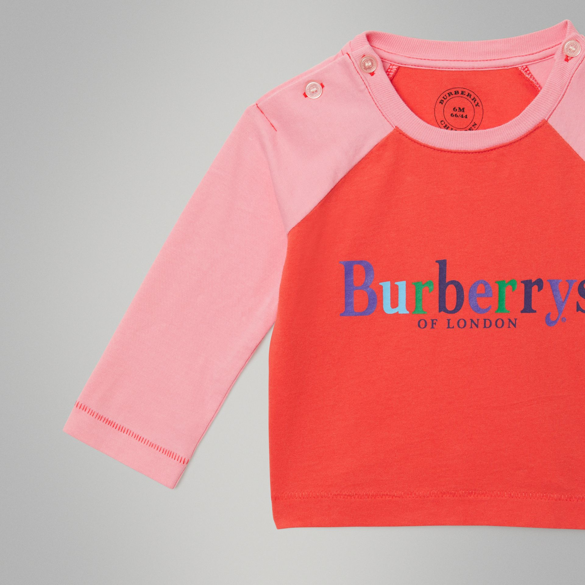 Archive Logo Print Two-tone Cotton Top in Military Red - Children | Burberry Canada - gallery image 4