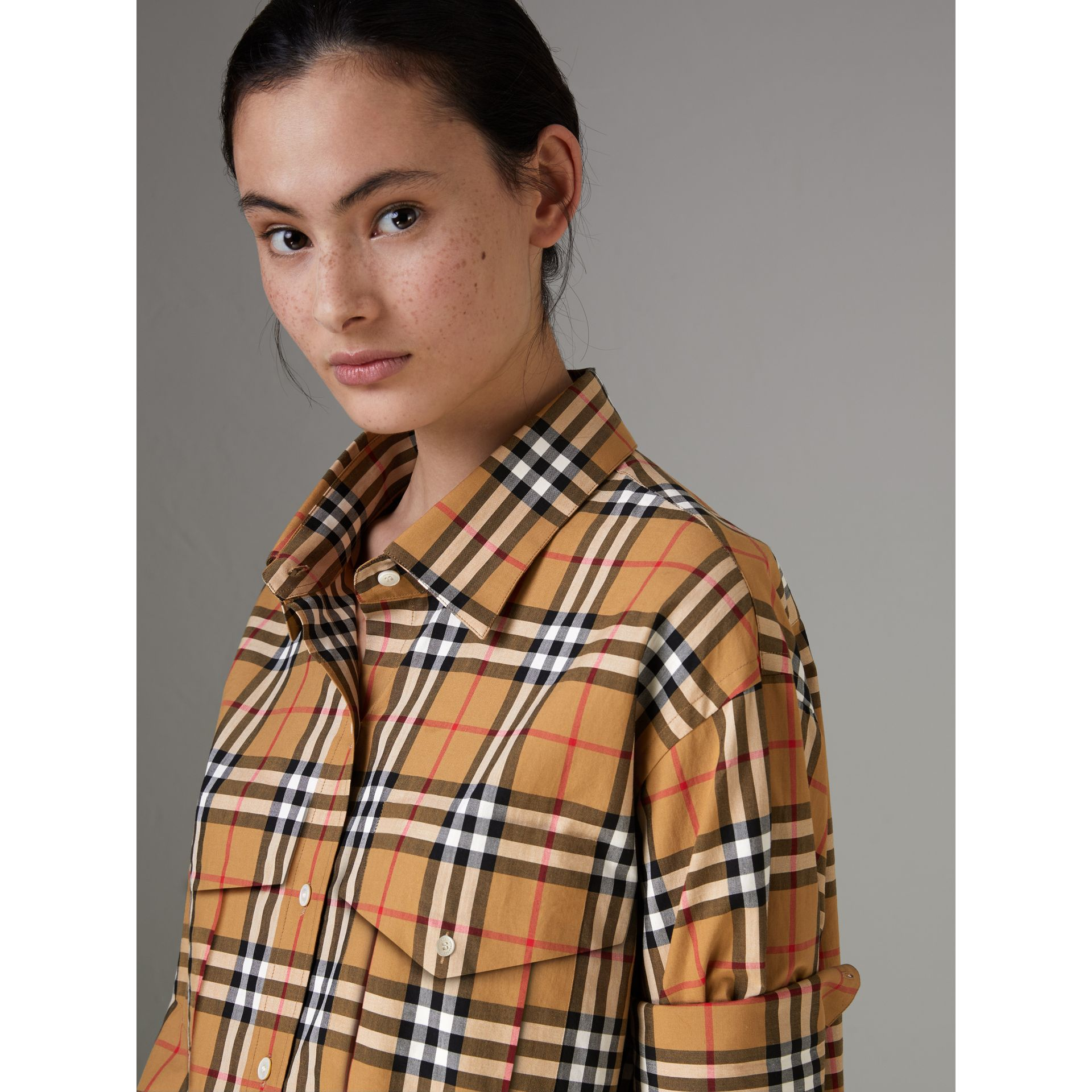 Chemise en coton à motif Vintage check (Jaune Antique) - Femme | Burberry - photo de la galerie 1