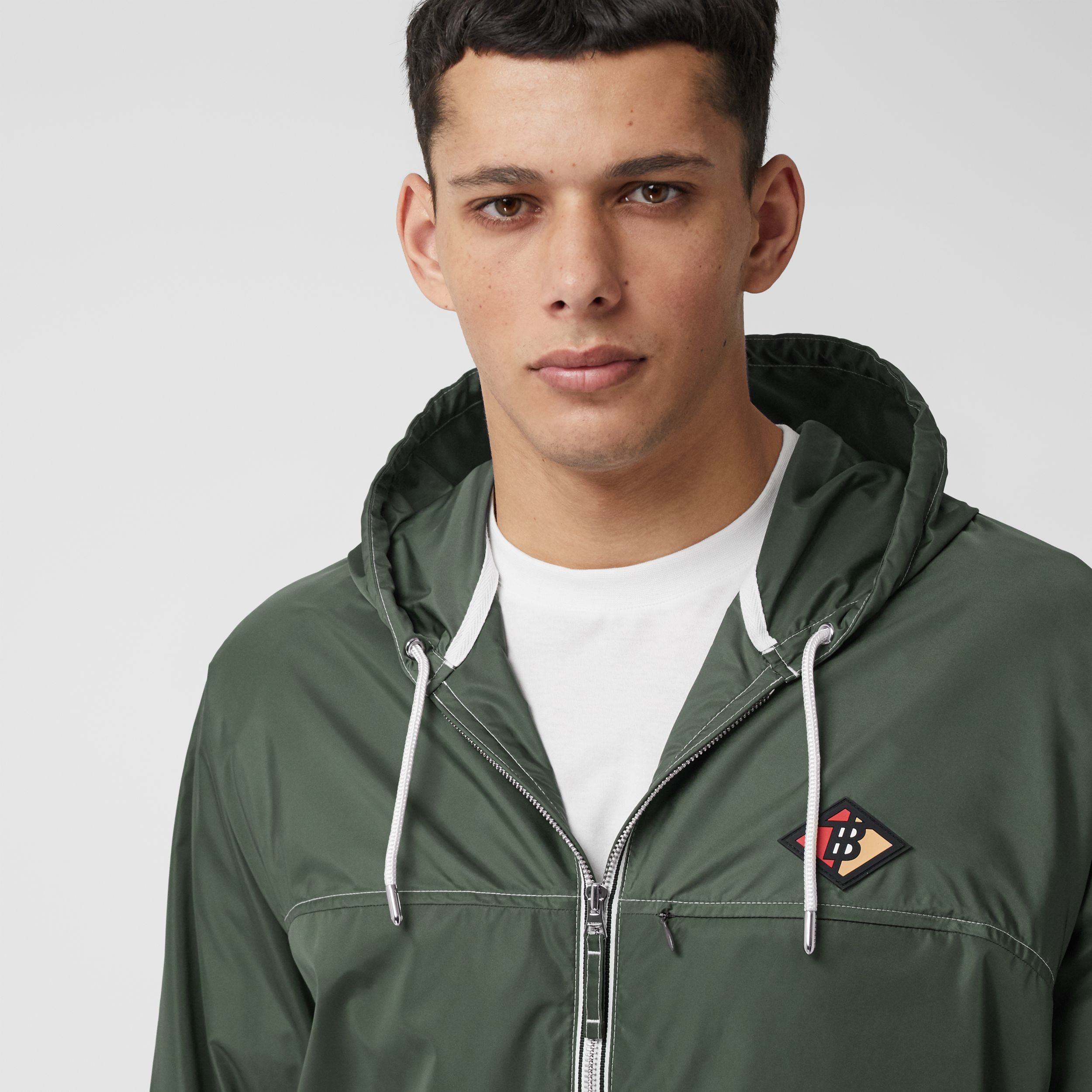 Logo Graphic Packaway Lightweight Hooded Jacket in Dark Pine Green - Men | Burberry - 2
