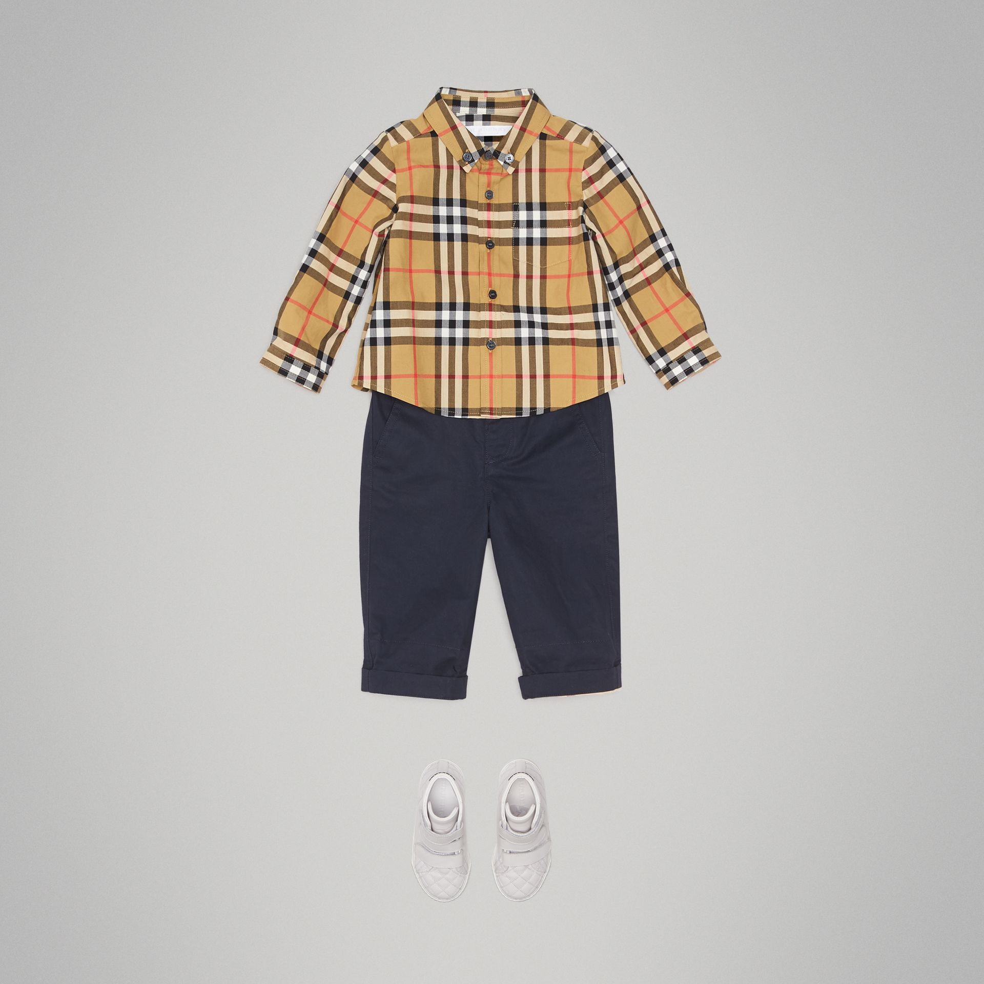 Button-down Collar Vintage Check Cotton Shirt in Antique Yellow - Children | Burberry Hong Kong - gallery image 2