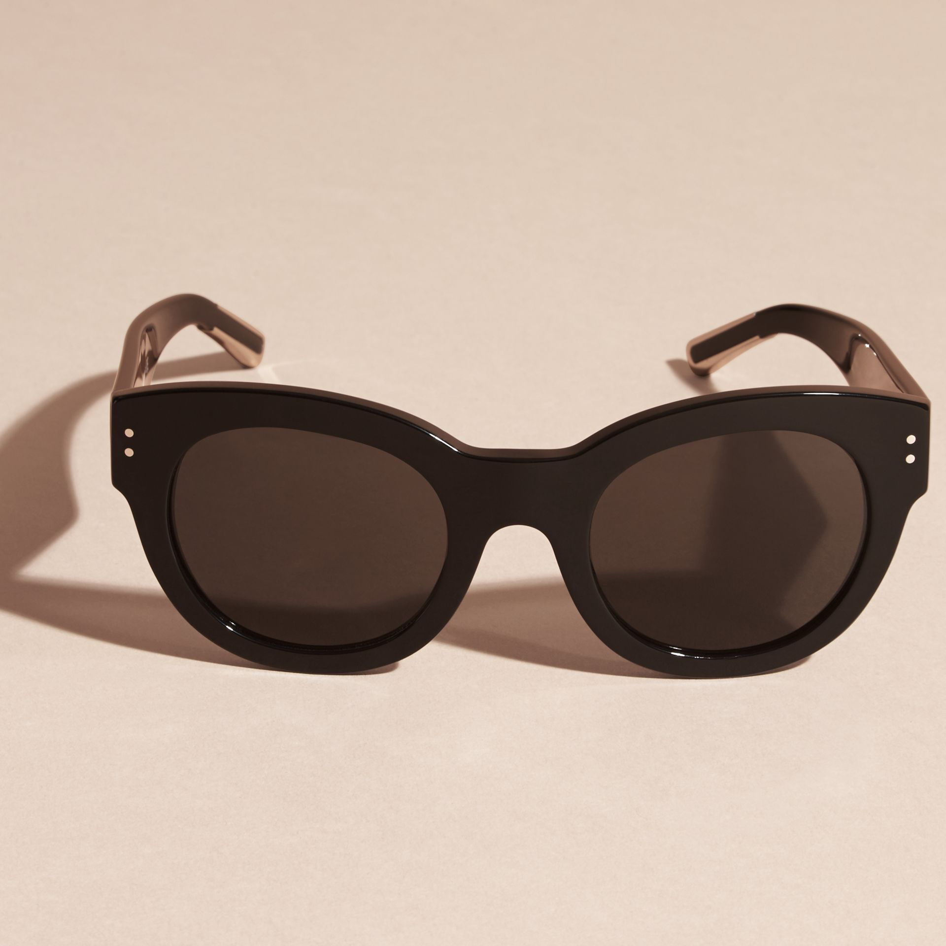 Black Cat-Eye Sunglasses Black - gallery image 3