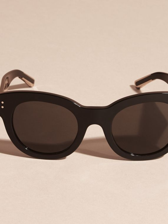 Black Cat-Eye Sunglasses Black - cell image 2