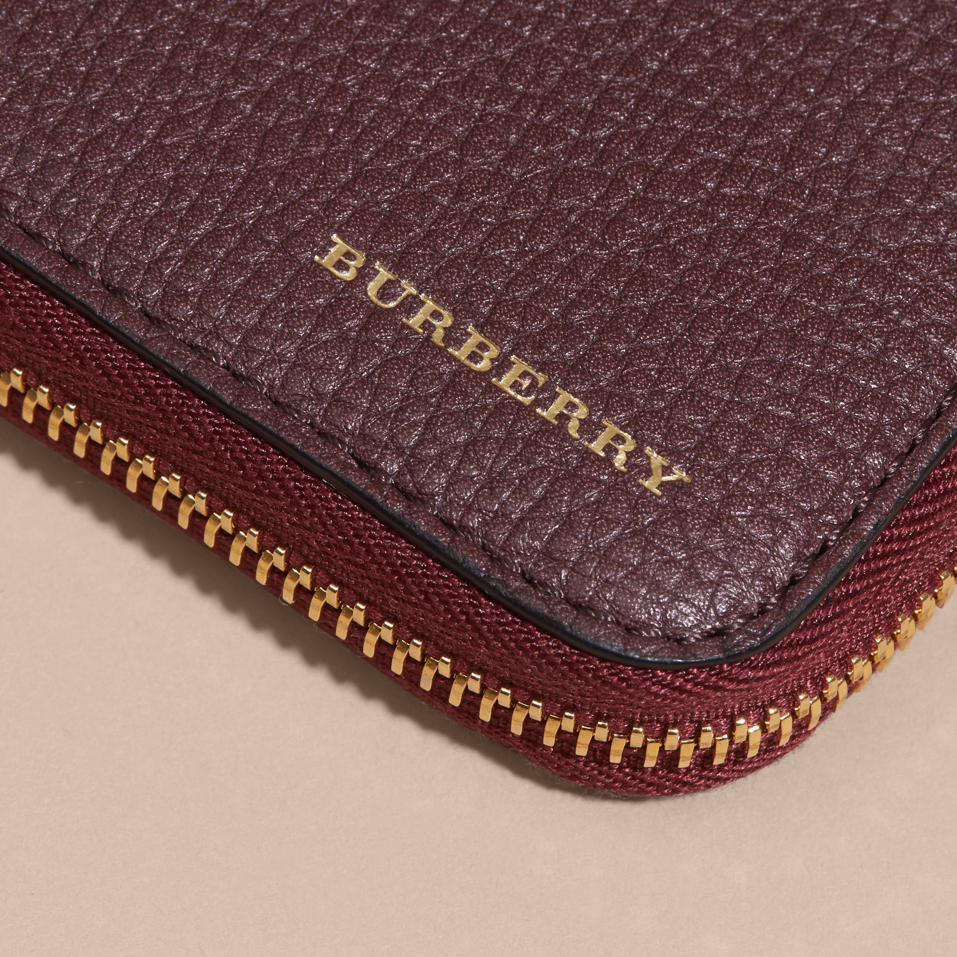 House Check and Grainy Leather Ziparound Wallet in Wine | Burberry - gallery image 4