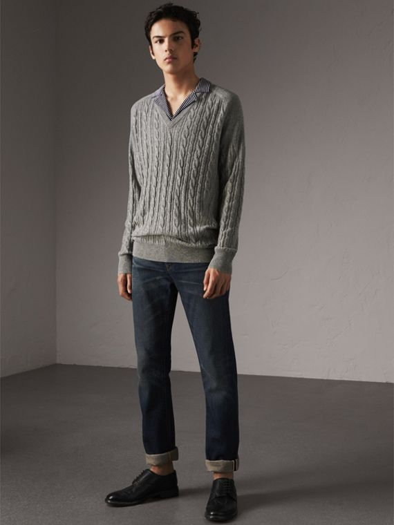 Cable and Rib Knit Cashmere V-neck Sweater in Mid Grey Melange