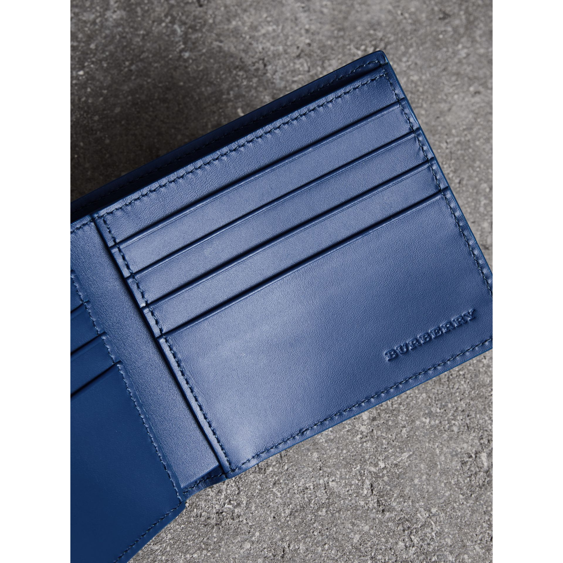 Grainy Leather International Bifold Wallet in Bright Ultramarine - Men | Burberry Singapore - gallery image 3