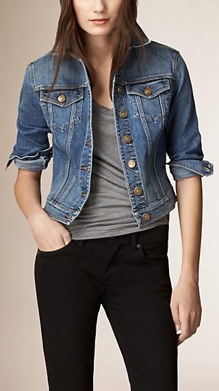 Denim-Jacke mit Check-Besatz unter dem Kragen