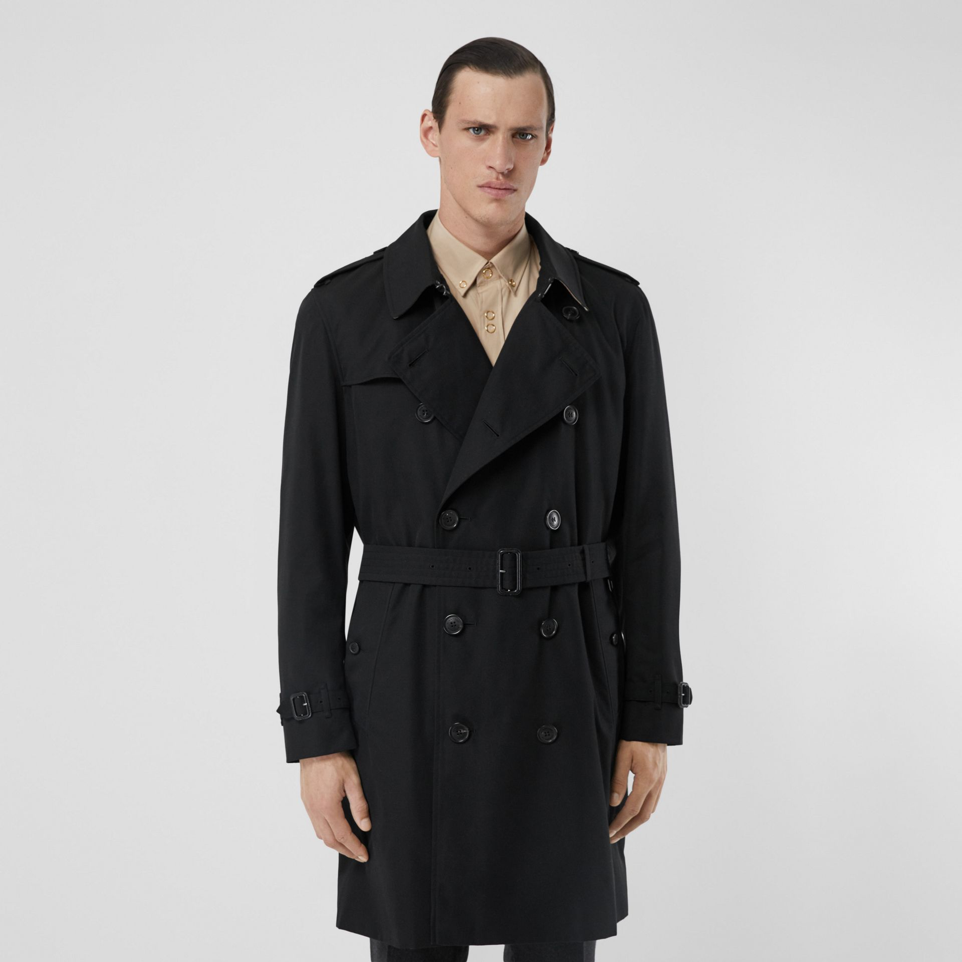 The Mid-length Kensington Heritage Trench Coat in Black - Men | Burberry - gallery image 0