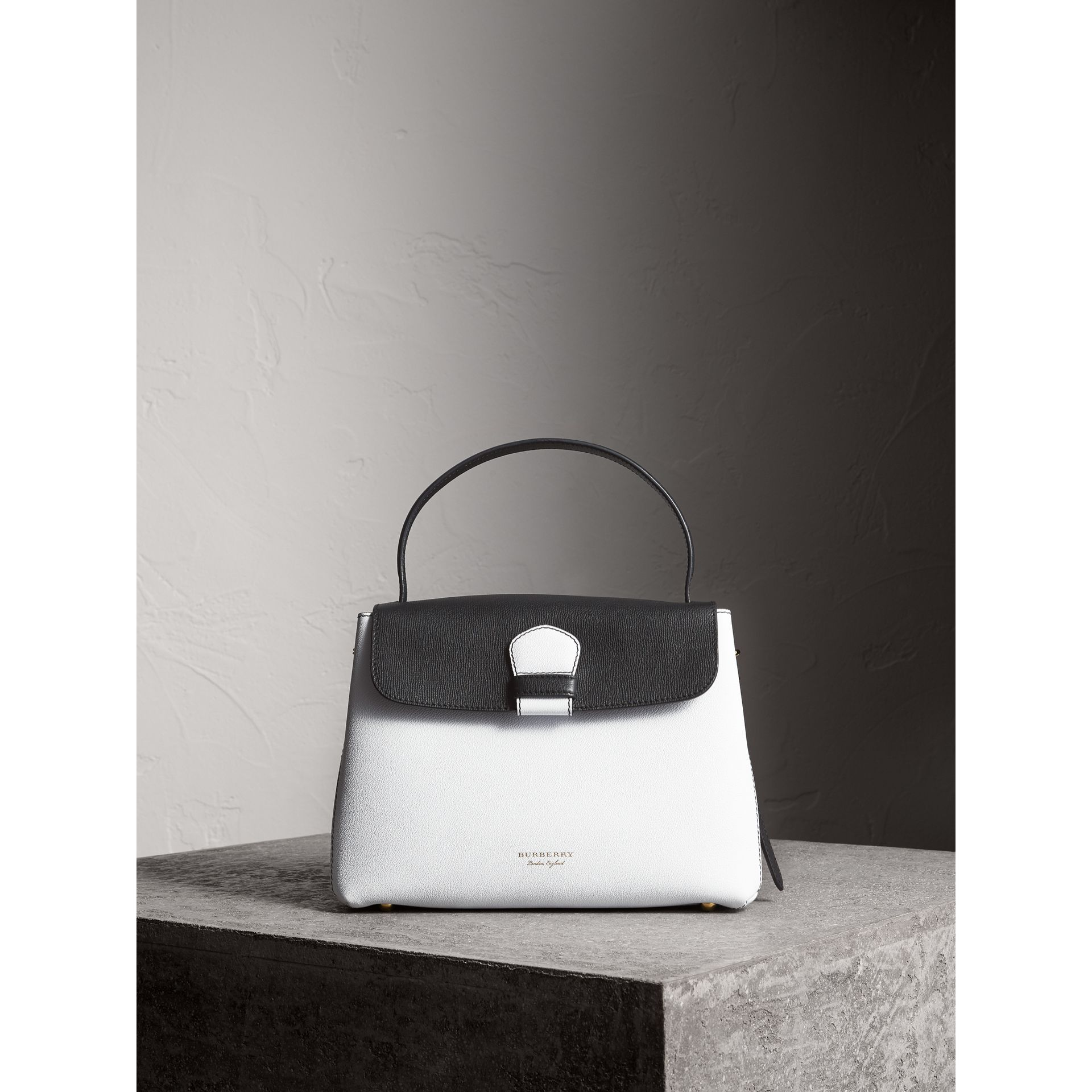 Medium Two-tone Leather and House Check Tote in Chalk White/black - Women | Burberry - gallery image 7
