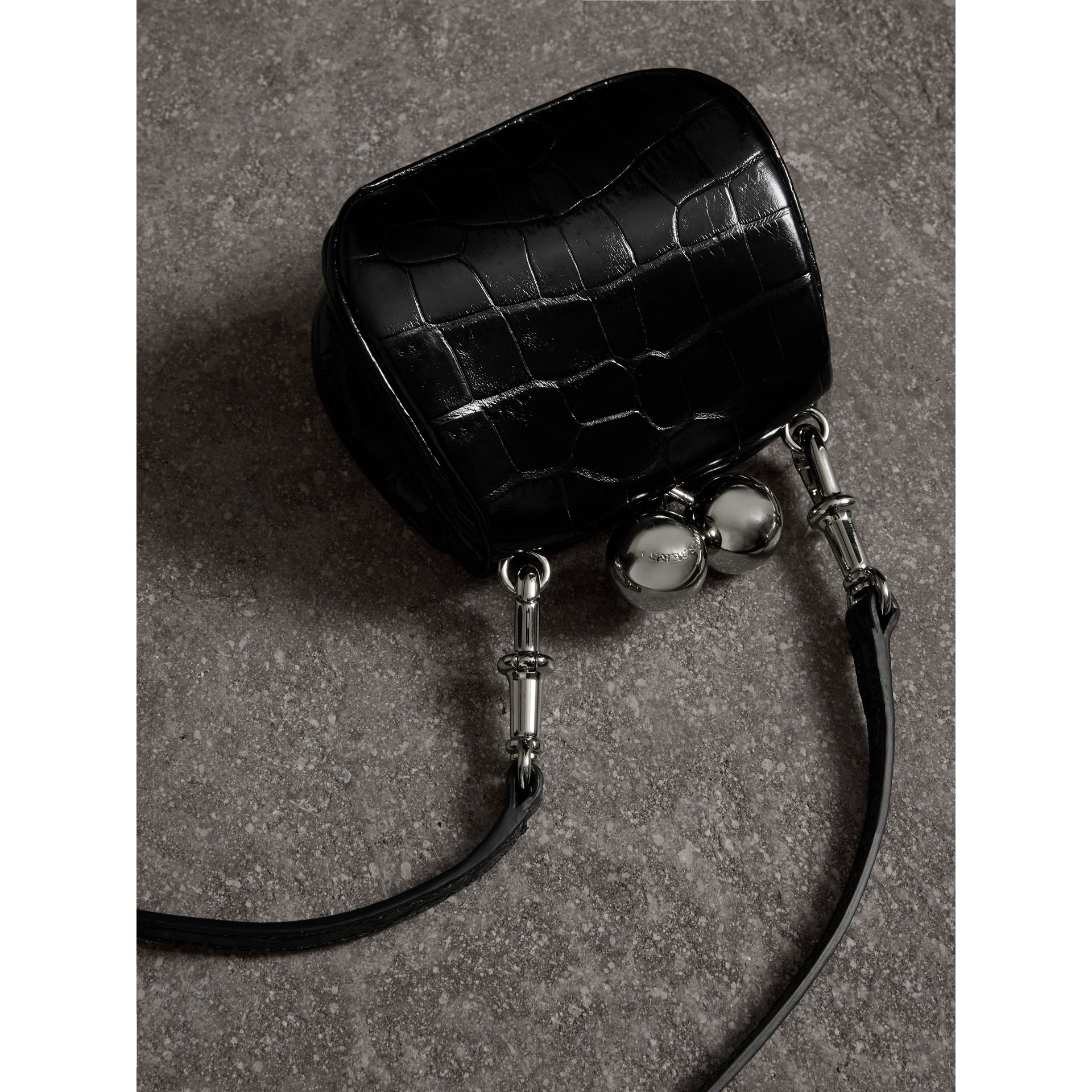 Mini sac porte-monnaie en alligator (Noir) - Femme | Burberry - photo de la galerie 4