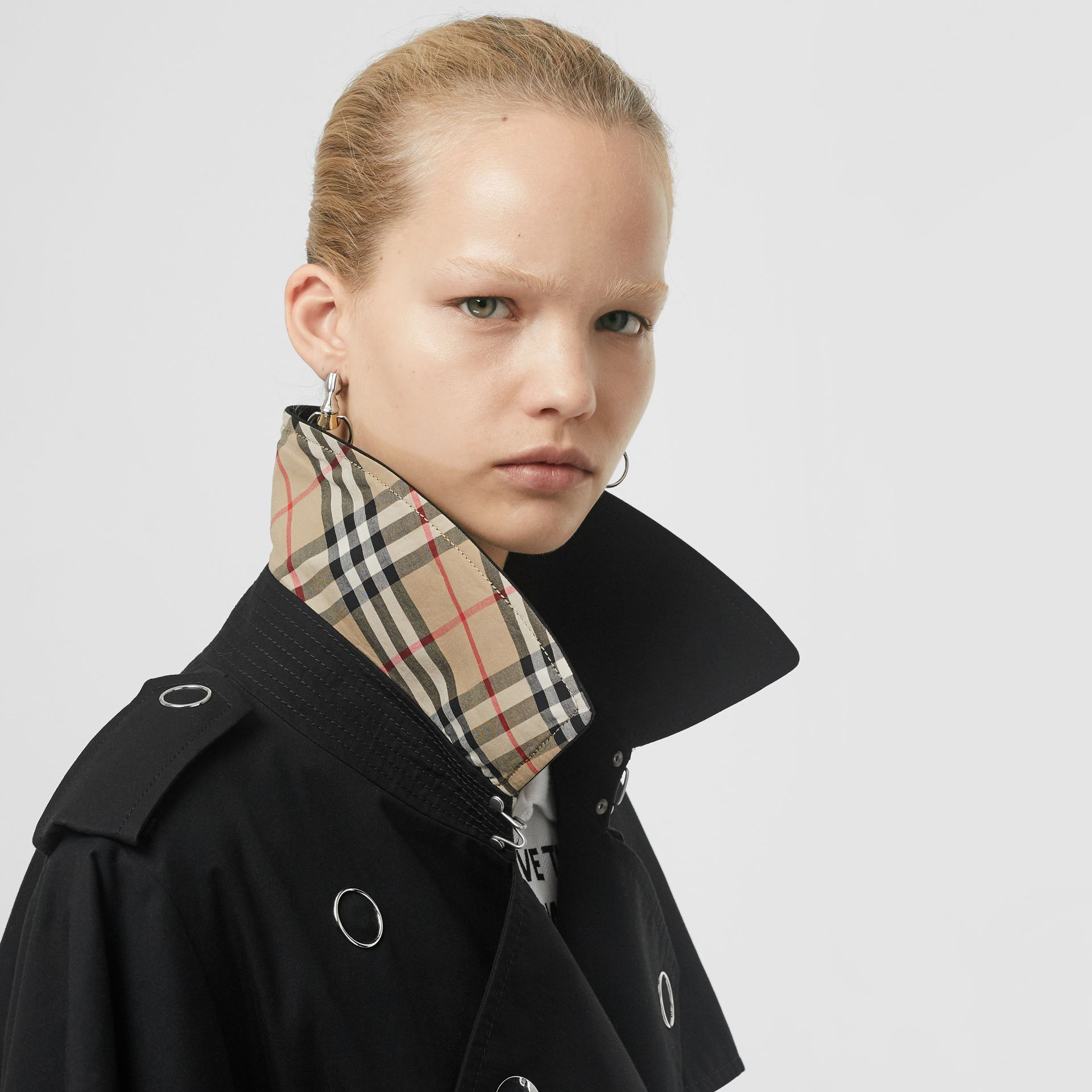 Cape-style Sleeve Cotton Gabardine Trench Coat in Black - Women | Burberry Singapore - gallery image 5