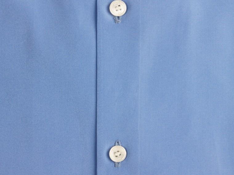 Mittelblau Schmal geschnittenes Hemd aus Baumwollpopelin mit kurzen Ärmeln - cell image 1