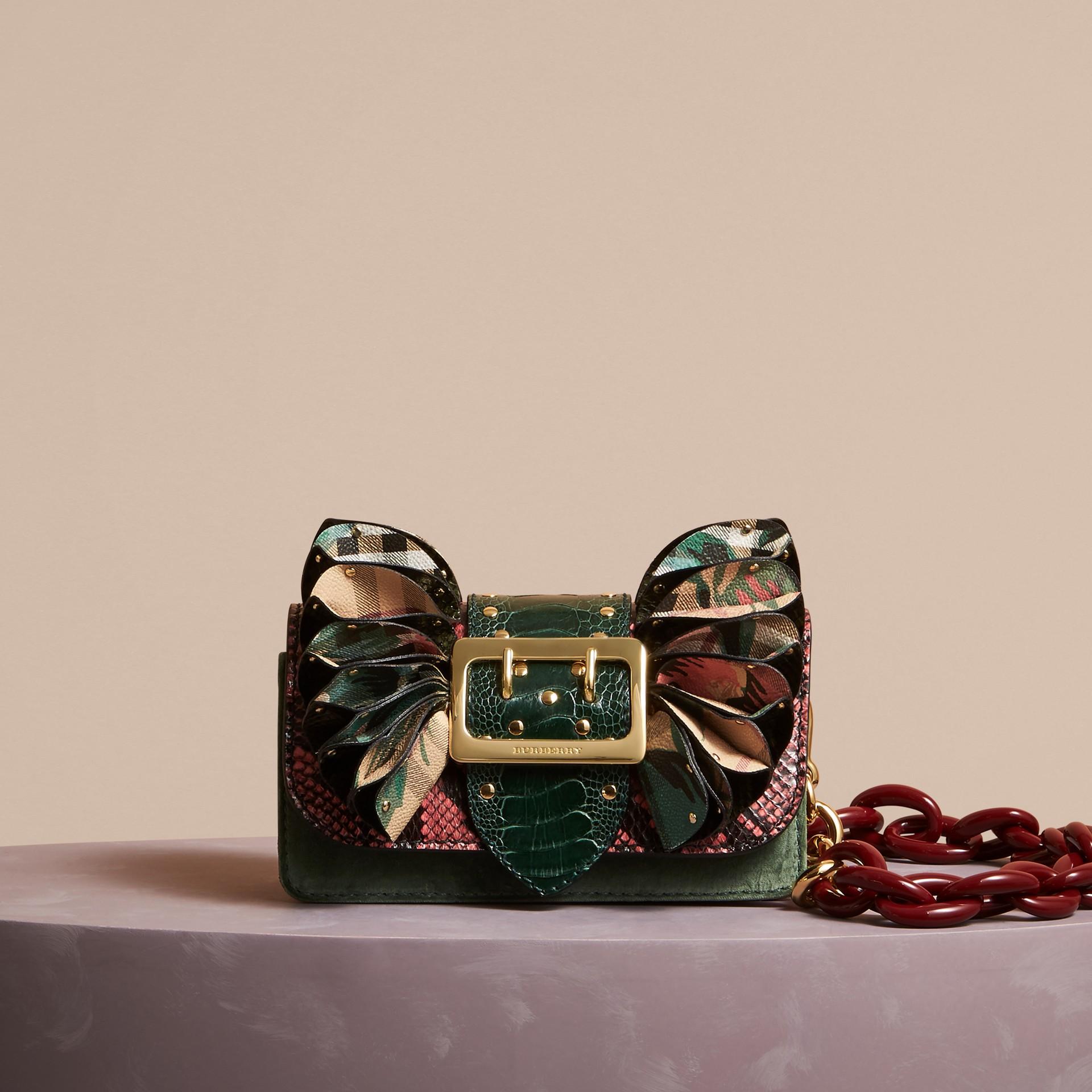 The Ruffle Buckle Bag aus Natternleder, Straußenleder und Check-Gewebe (Rosenrosa) - Damen | Burberry - Galerie-Bild 7