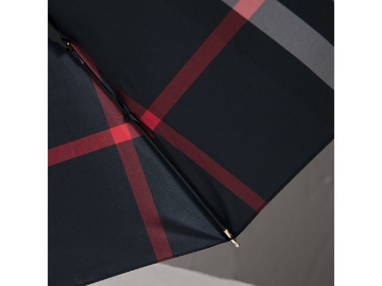 Check Folding Umbrella in Navy | Burberry United Kingdom - cell image 2