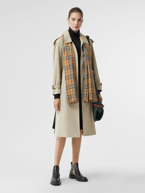 Vintage Check Lightweight Cashmere Scarf in Antique Yellow | Burberry - cell image 2