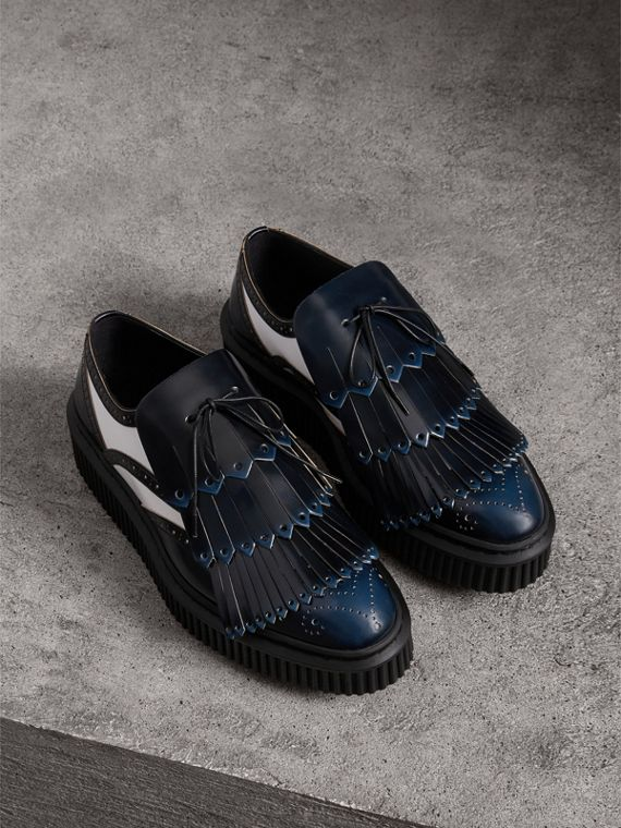 Two-tone Lace-up Kiltie Fringe Leather Shoes in Navy Blue