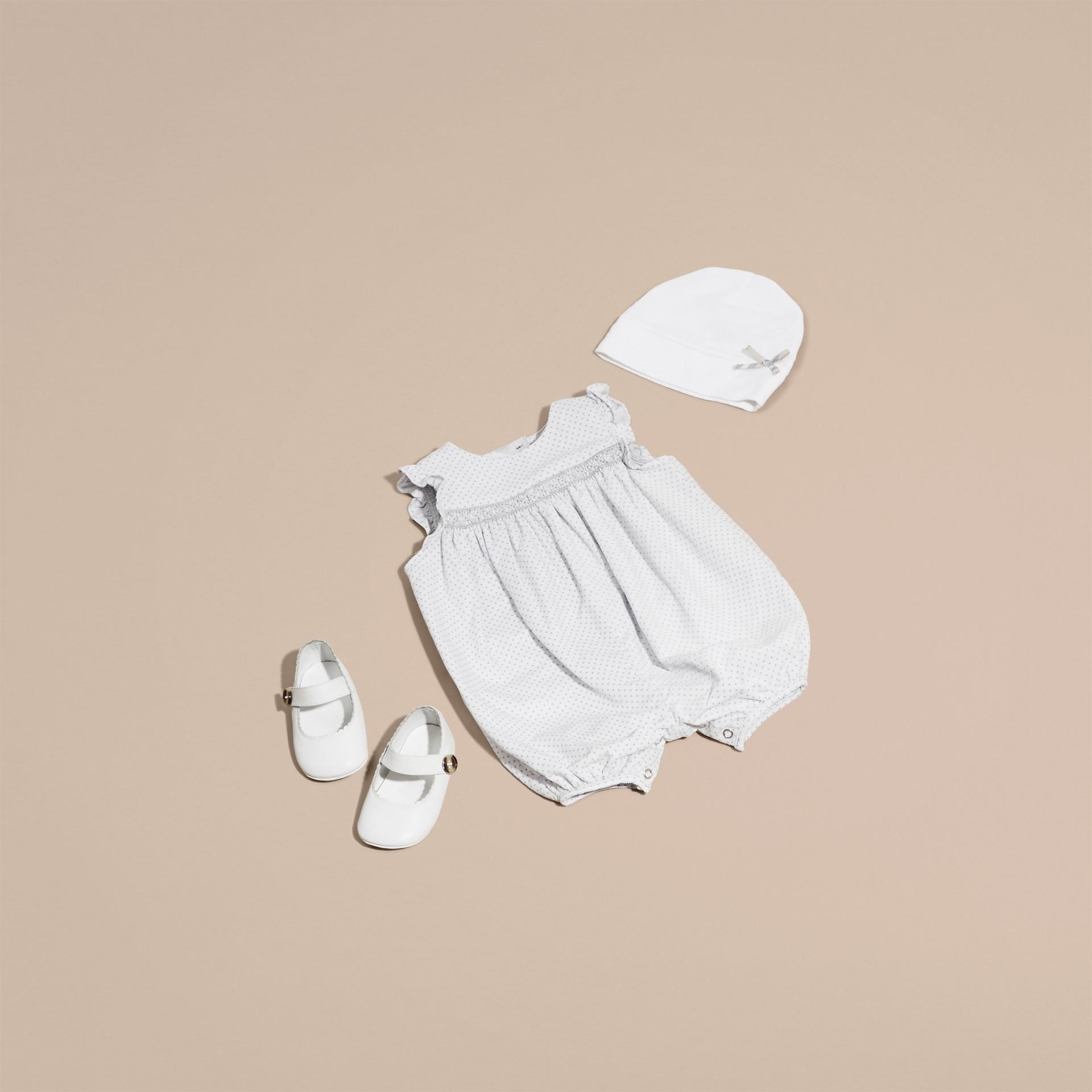 Gris pâle Combinaison en velours côtelé à smocks et imprimé à pois - photo de la galerie 5