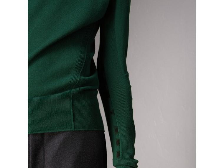 Pullover aus Merinowolle mit Karodetail (Dunkles Blaugrün) - Herren | Burberry - cell image 1