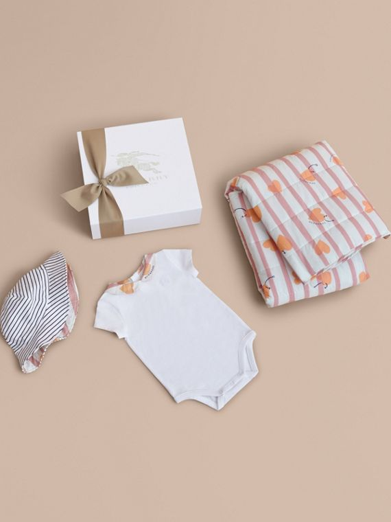 Hooked Heart Print Cotton Three-piece Baby Gift Set