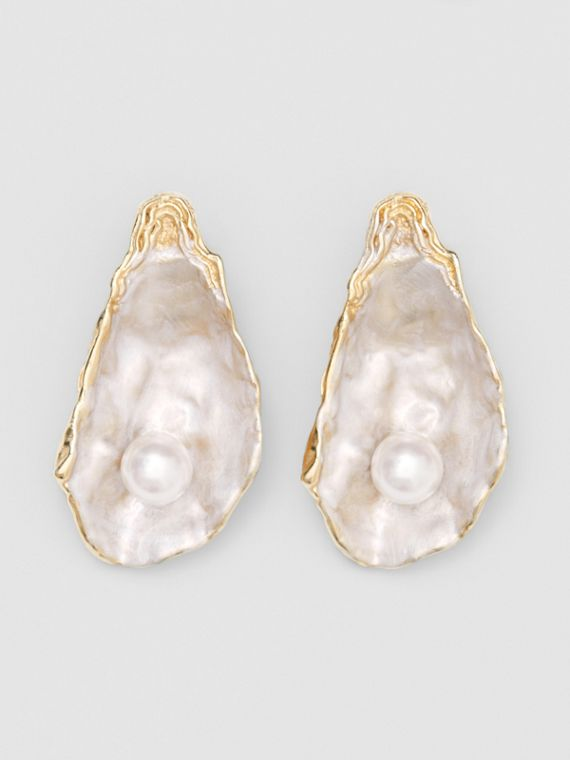 Faux Pearl Detail Gold-plated Oyster Earrings in Light  /