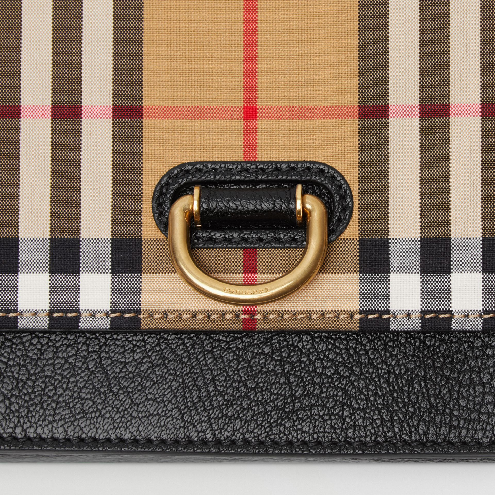 Borsa The D-ring mini in pelle con motivo Vintage check (Nero) - Donna | Burberry - immagine della galleria 1