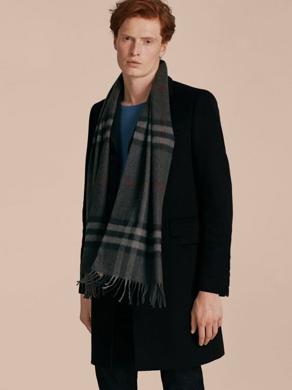 Charcoal check The Classic Cashmere Scarf in Check Charcoal - cell image 2