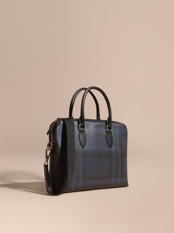 Bolso Barrow estrecho en checks London Azul Marino/negro