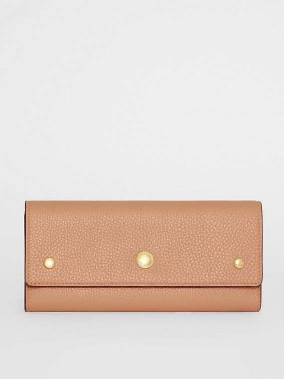 Grainy Leather Continental Wallet in Light Camel