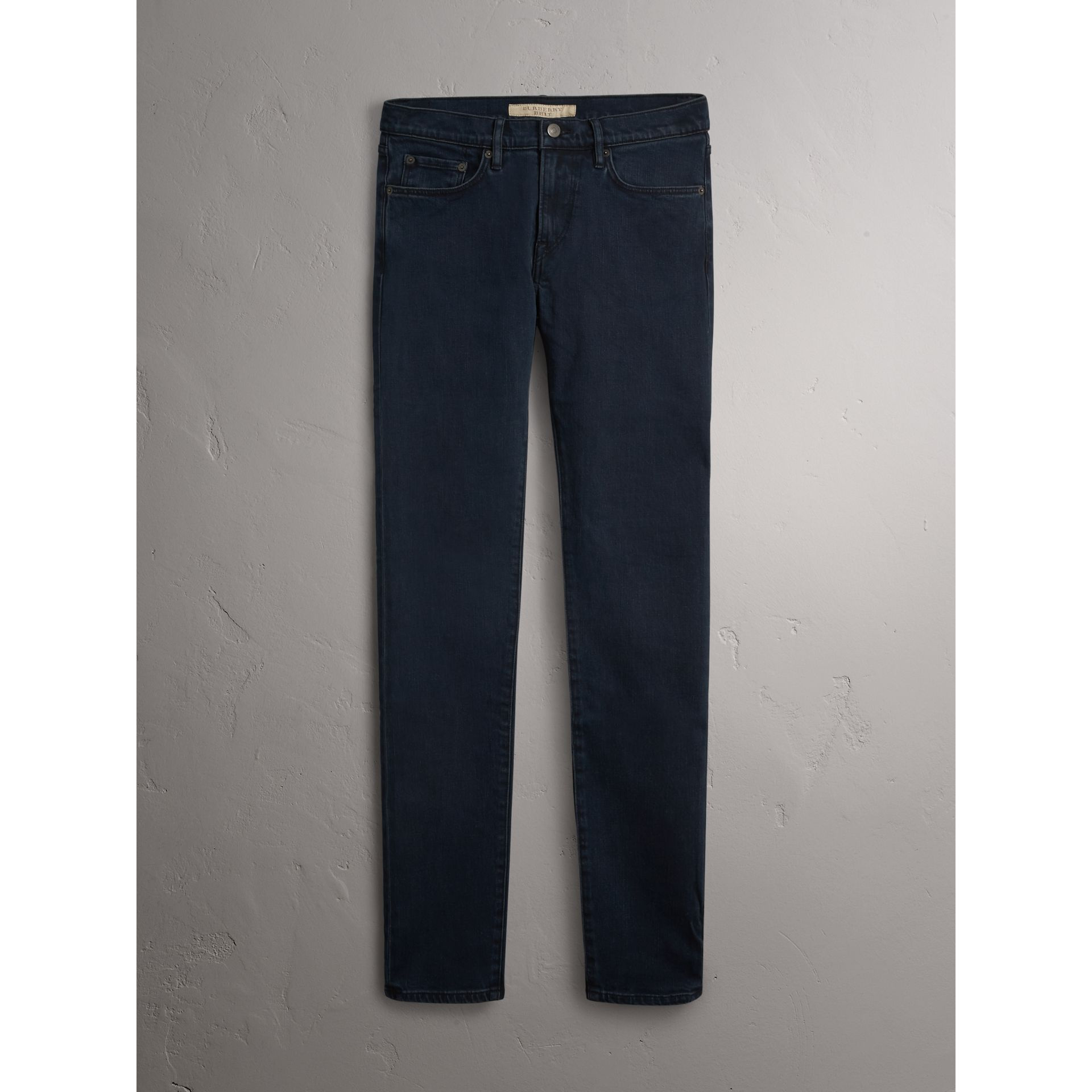 Jeans slim in denim stretch (Indaco Scuro) - Uomo | Burberry - immagine della galleria 3