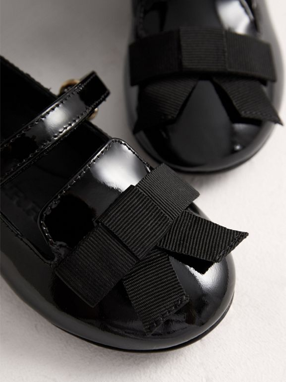 Bow Detail Patent Leather Ballerinas in Black - Children | Burberry - cell image 1