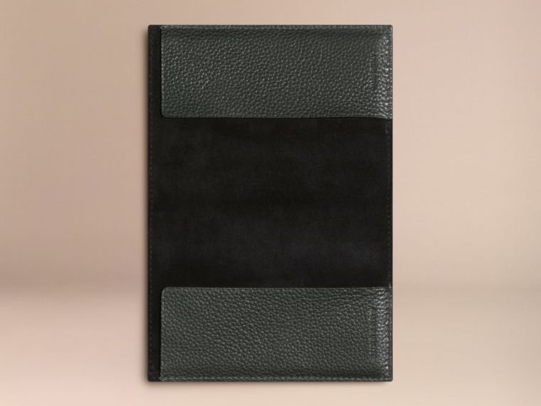 Grainy Leather Passport Cover in Dark Forest Green | Burberry - cell image 2