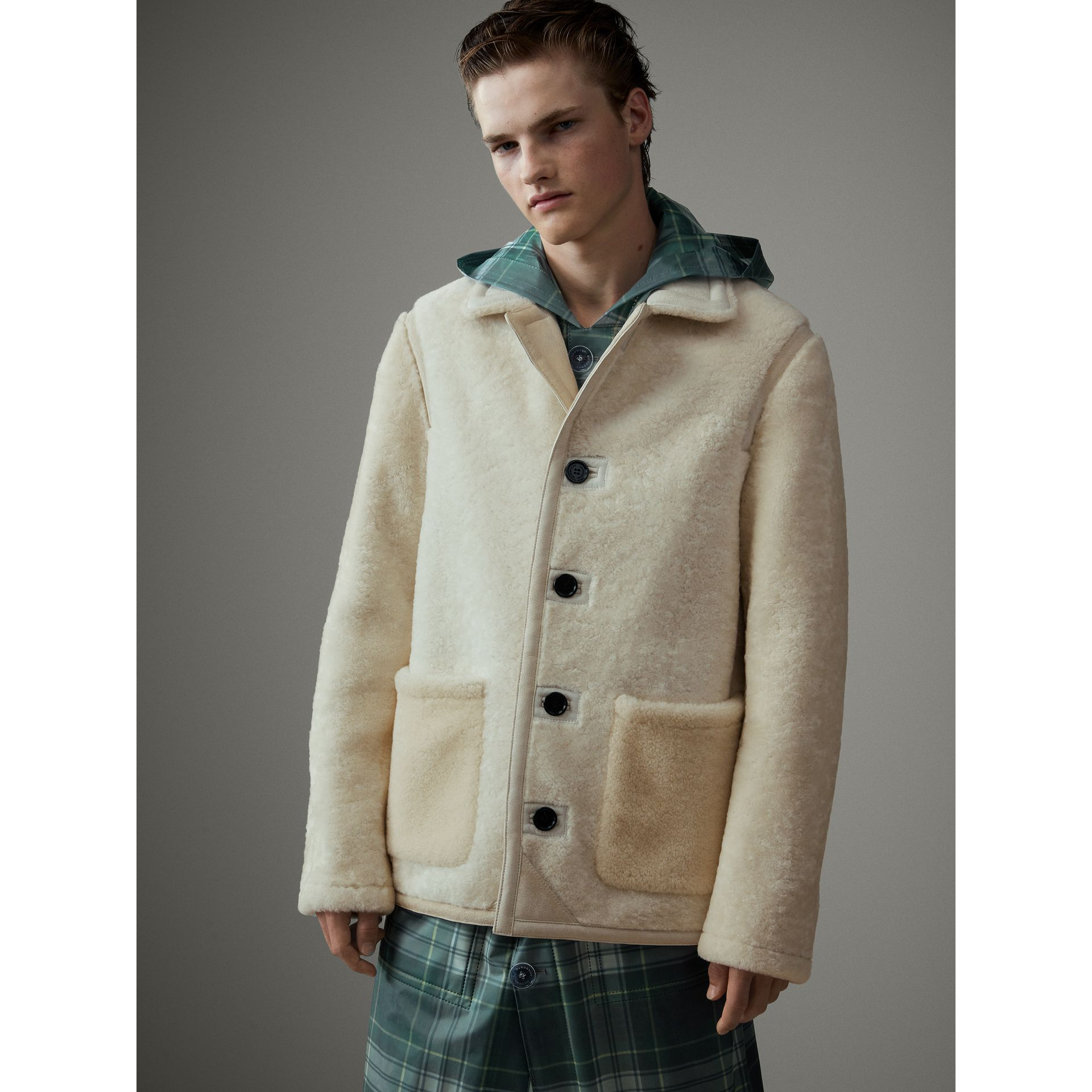 Veste en shearling (Blanc) - Homme | Burberry - photo de la galerie 4