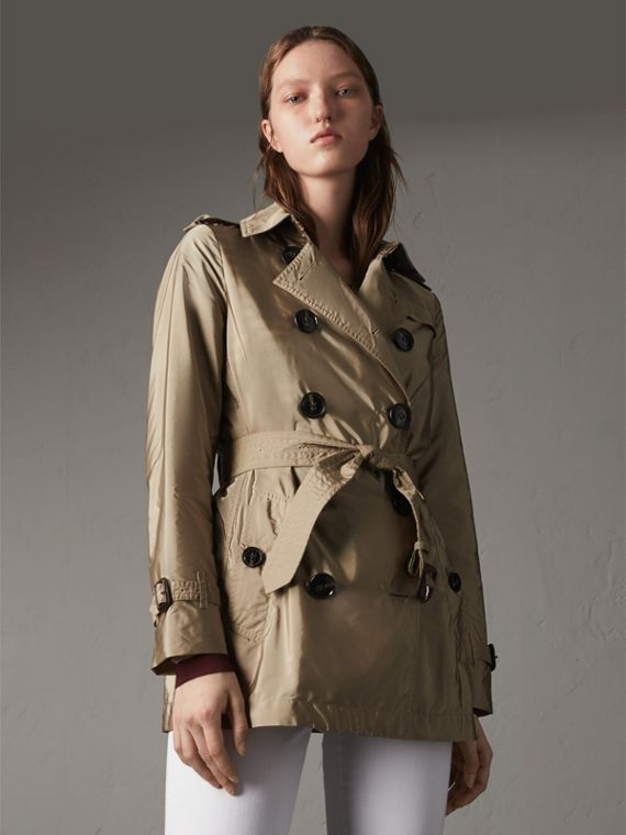 Lightweight Trench Coat in Sisal