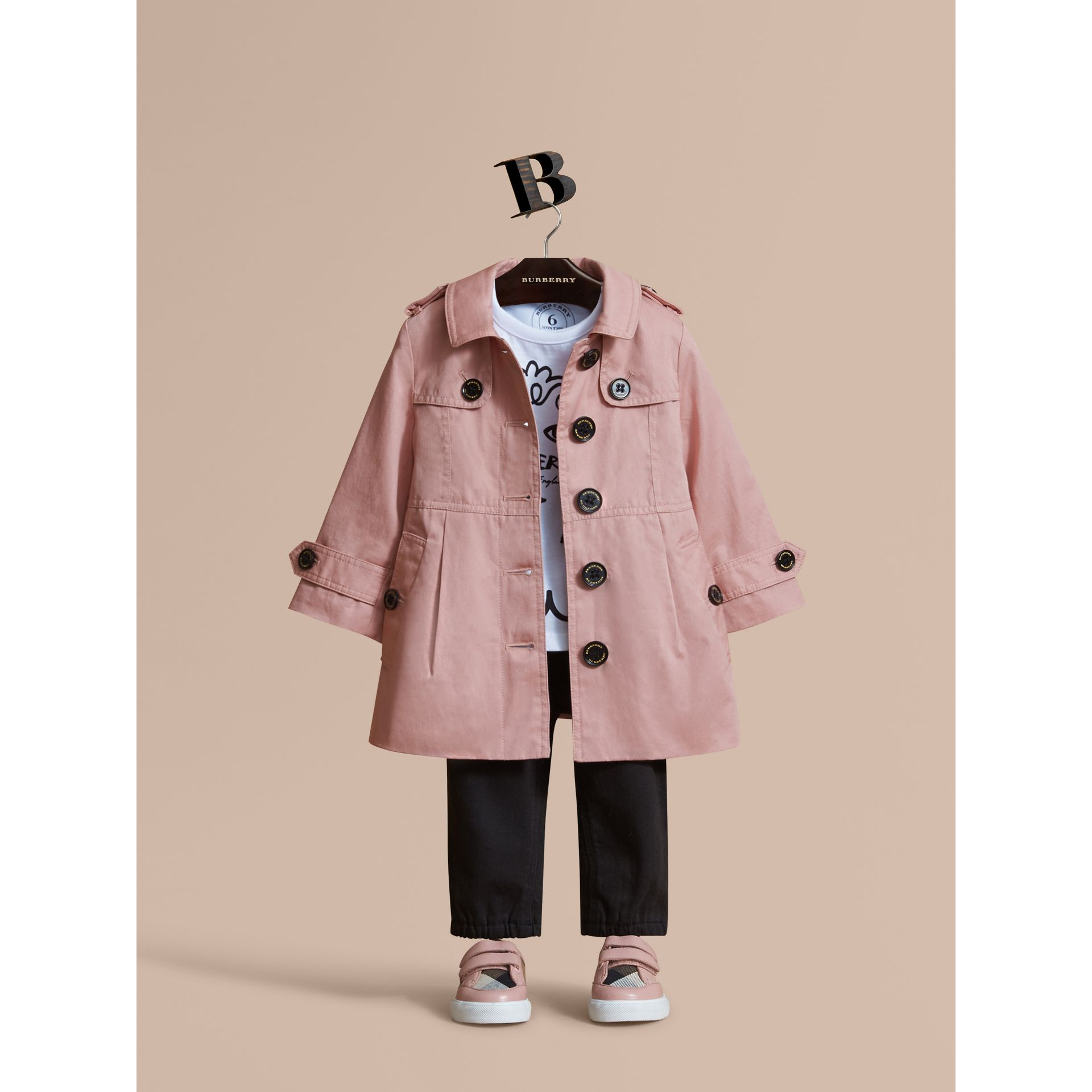 Trench-coat en coton à boutonnage simple (Rose Pâle) - Enfant | Burberry - photo de la galerie 1