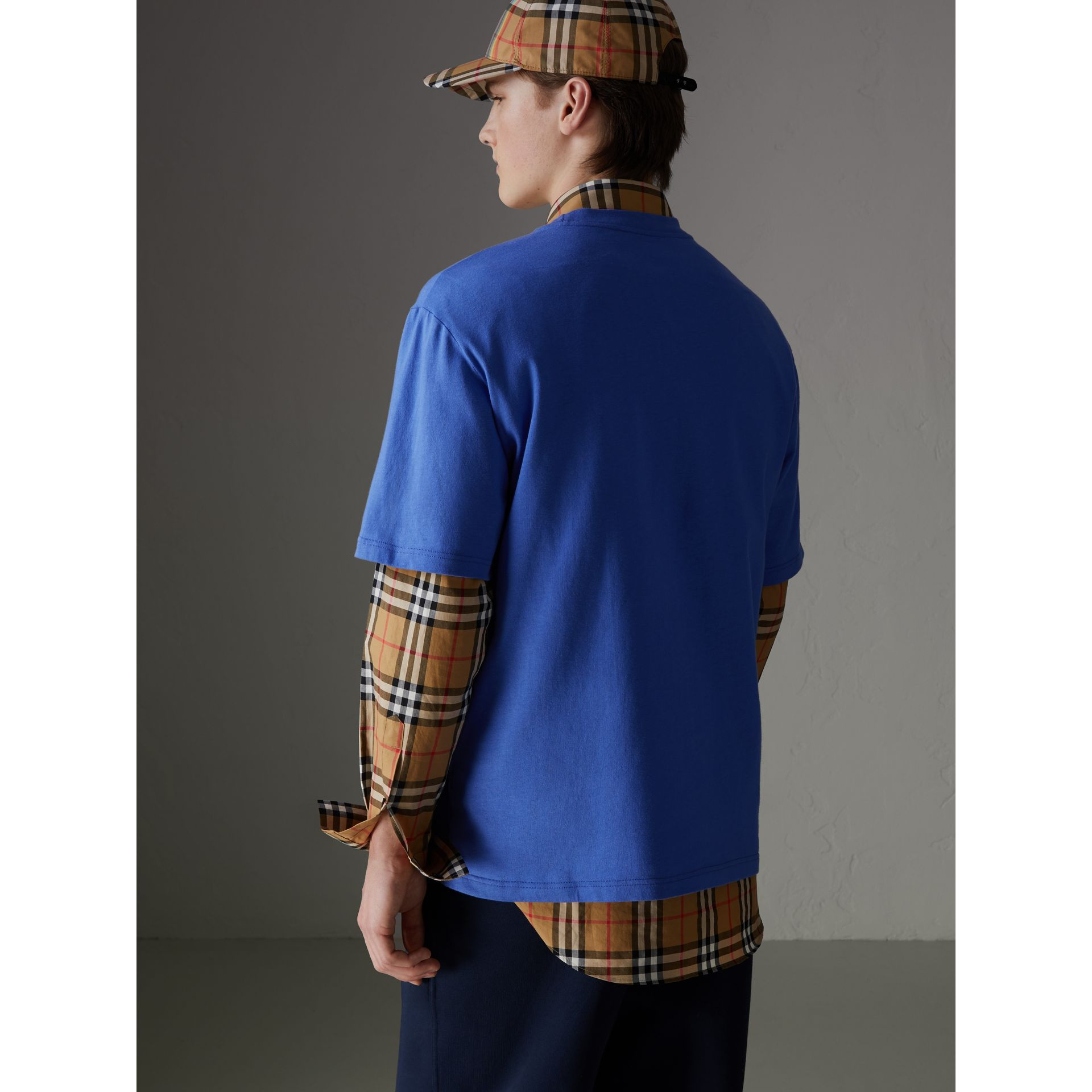 T-shirt en coton revisité (Bleu Barbeau) - Homme | Burberry Canada - photo de la galerie 2
