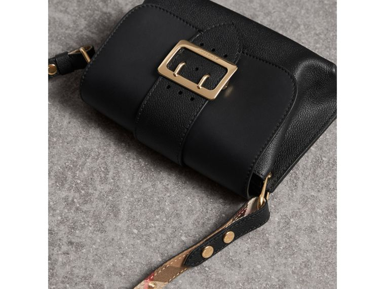 The Buckle Crossbody Bag in Leather in Black - Women | Burberry - cell image 4